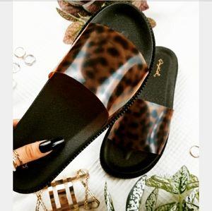 Shoes - The Tropics collection// leopard slide